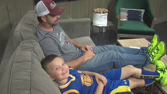 8dbd778d890 Steph Curry surprises Charleston boy    hero  dad with matching sneakers