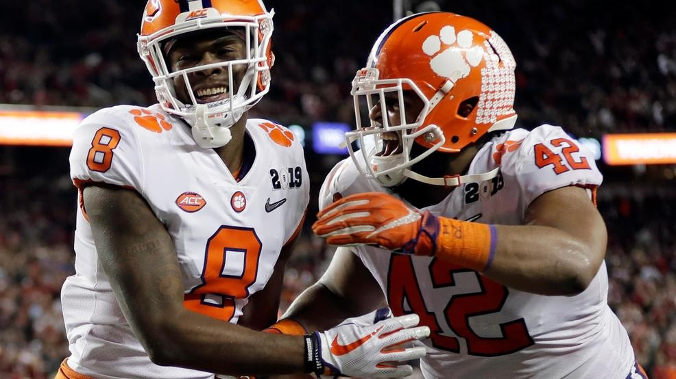 Clemson Dominates Alabama 44 16 To Win College Football